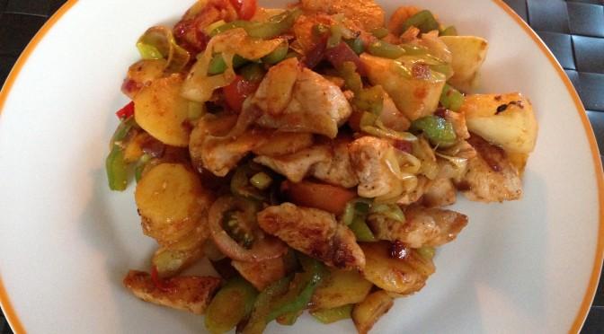 Kartoffel-Hähnchenpfanne mit Gemüse