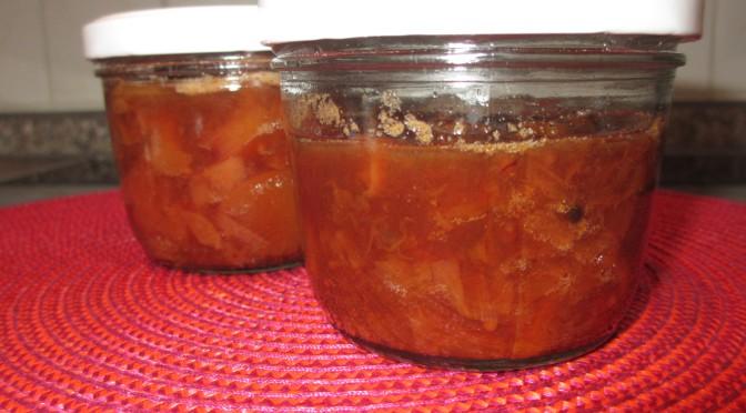 Chutney aus gegrillten Pfirsichen